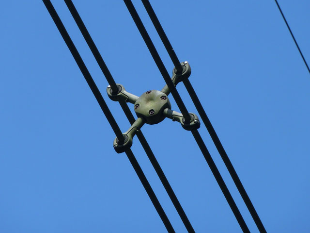 Power Line Spacer 169 Robin Webster Cc By Sa 2 0 Geograph