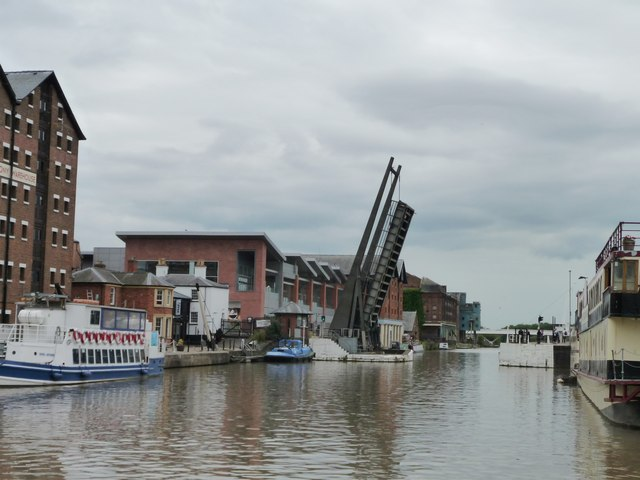 Llanthony Bridge, Gloucester Docks