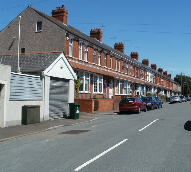 Houses on the western side of Penllyn Avenue, Newport