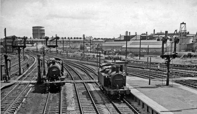 East end of Chester General Station, with locomotives