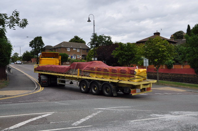 Lorry turning into Perry Street - Crayford