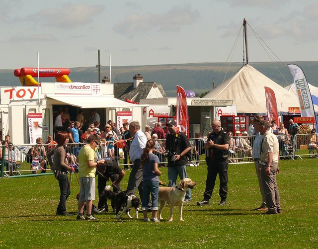 Pet Show judged by Dumfries and Galloway Police Officers