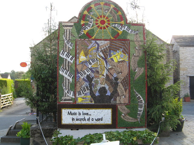 Youlgreave Well Dressing at the Fountain Well