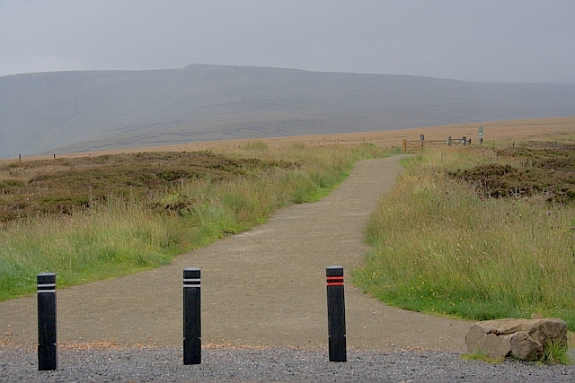 Pennine Way at the Snake Pass