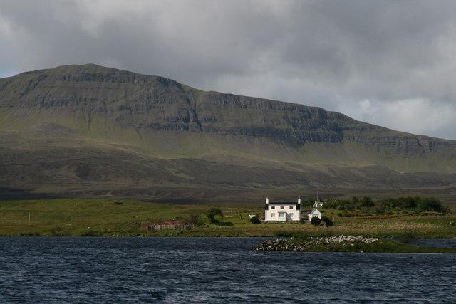 Dun Grianan, broch, Loch Mealt, Skye