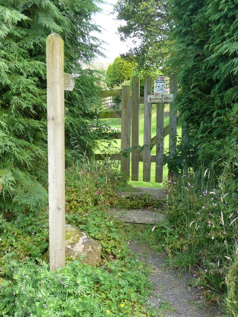 Gate to Hebden Royd Footpath 51 south of Park Lane, Mytholmroyd