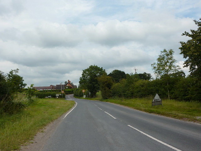 Slaughter Hill, south of the junction with Narrow Lane