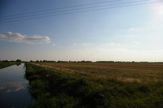 The Sixteen Foot Drain and fields to the west of it, looking south-west from Bedlam Bridge