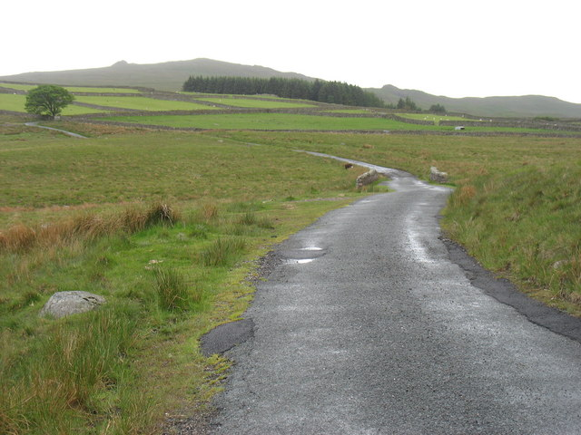 The road to Woodend Farm