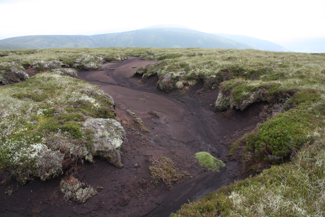 Peat hag north of Meikle Geal Charn