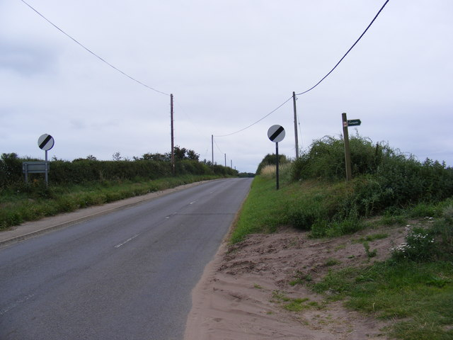 B1121 Aldeburgh Road & the footpath to Low Road