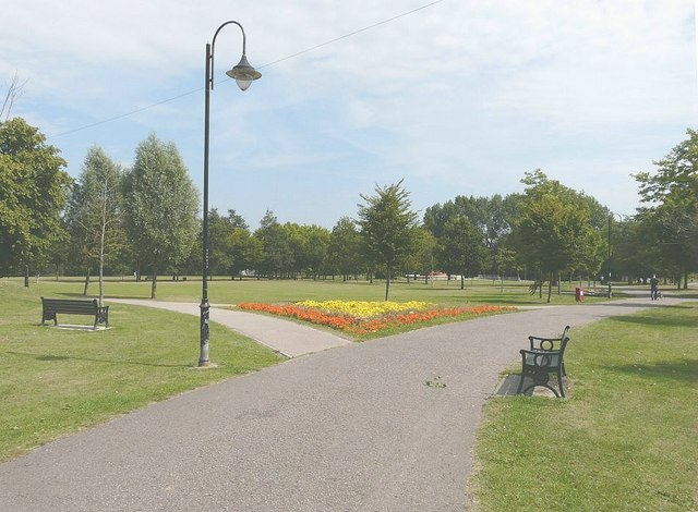 Victoria Park, Ashford © John Baker cc-by-sa/2.0 ...