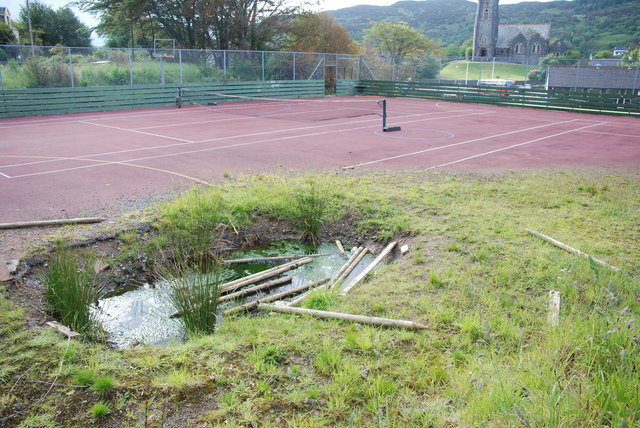 Crater in Tarbert tennis courts