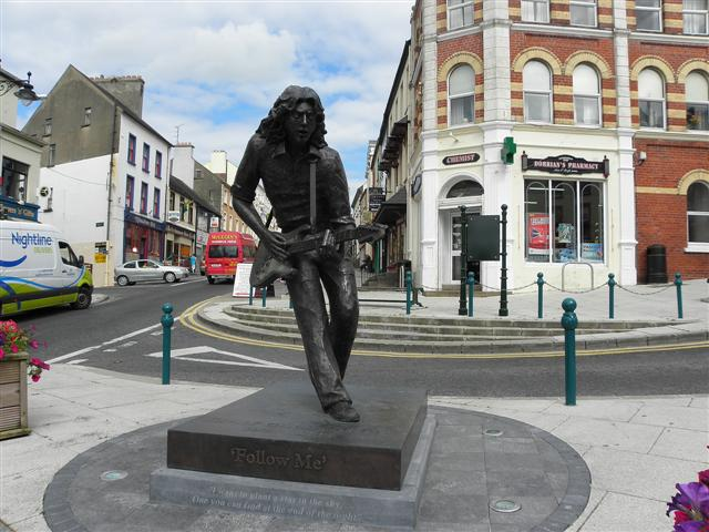 Rory Gallagher sculpture, Ballyshannon