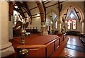 TQ1471 : St James, St James Road, Hampton Hill - Interior by John Salmon