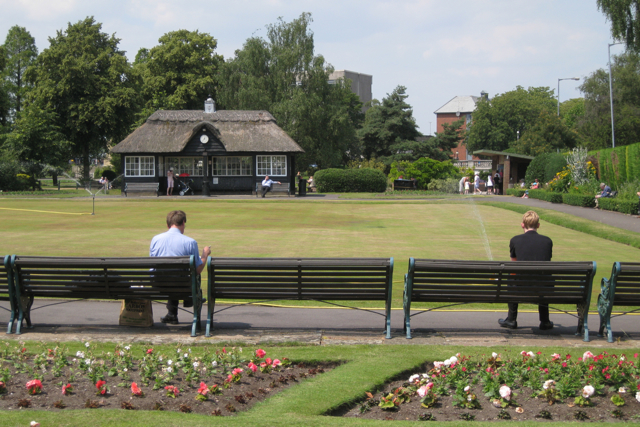 Around the bowling green, Victoria Park