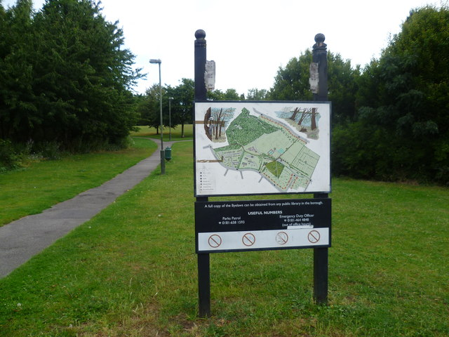 Entrance to Poverest Recreation Ground and Covert Wood