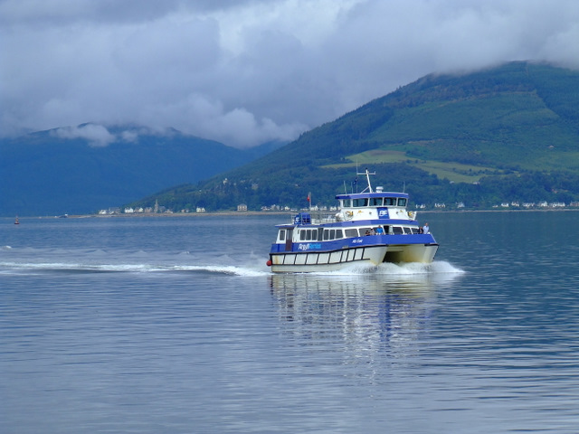 Ali Cat approaching Gourock