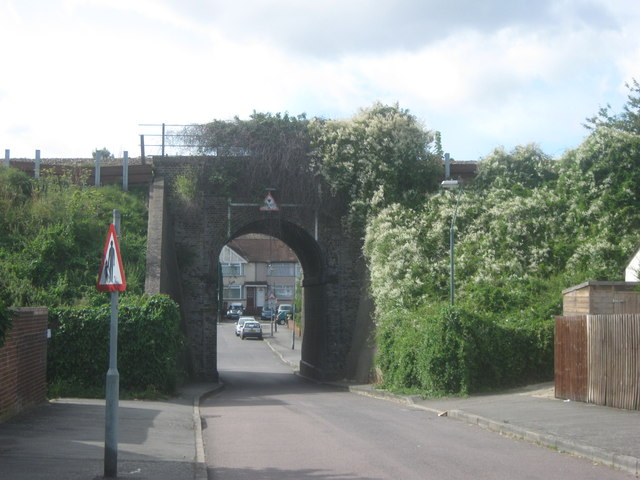 Railway bridge over Parkside Cross
