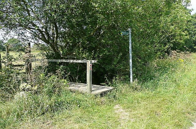 Footpath off Hogmoor Lane