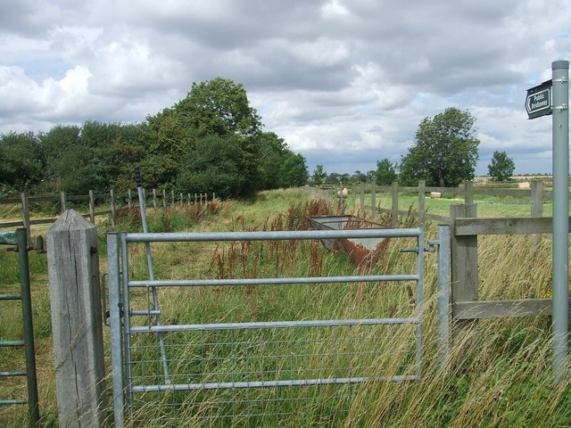Bridleway from B1399 at Fulnetby