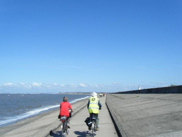 Coastal pathway near Leasowe Common