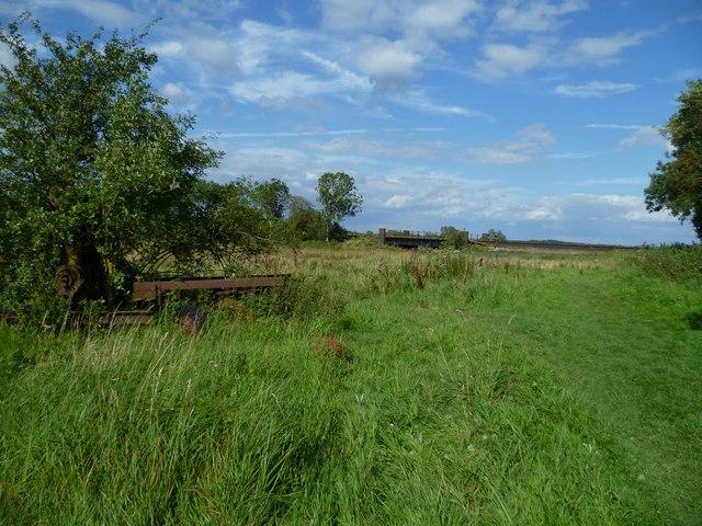 Towards the railway bridge over a drainage channel near Amberley