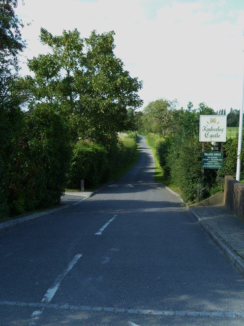 The private drive to Amberley Castle from the B2139