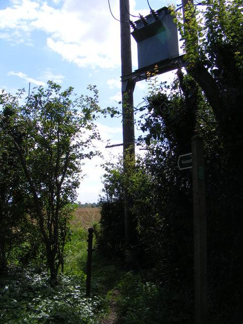 Footpaths to Fynn Valley Walk & Church Road