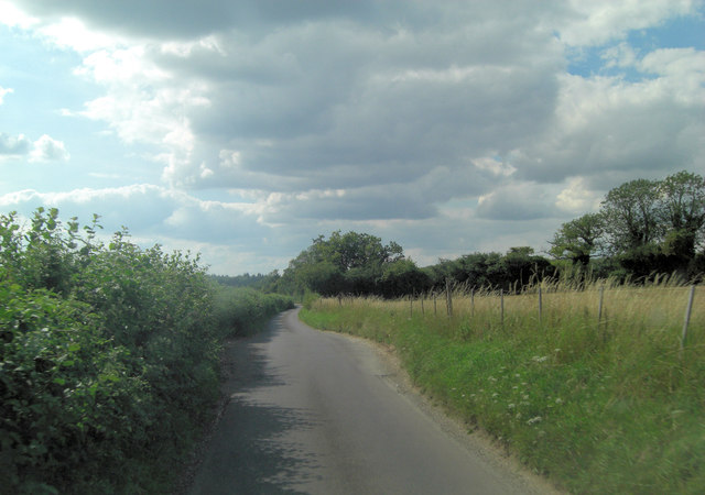 Lane north of Dean Heath Copse