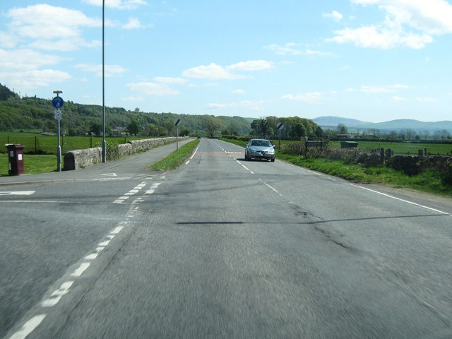 New Galloway Road at the junction with Race Green Avenue
