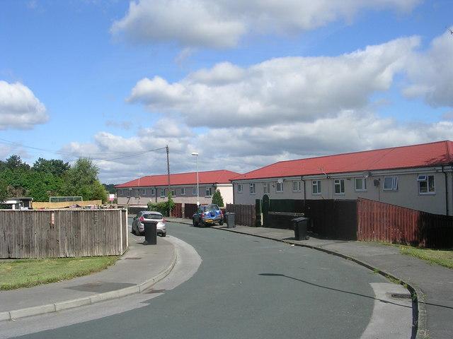 Stonecliffe Crescent - off Stonecliffe Garth