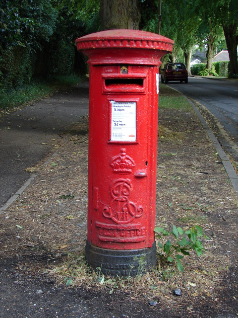 Pillar box on Warwick Road