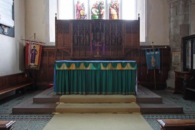 St Lawrence, Alton - Sanctuary