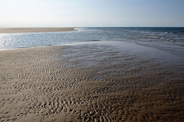 Looking westwards, Bob Hall's Sand