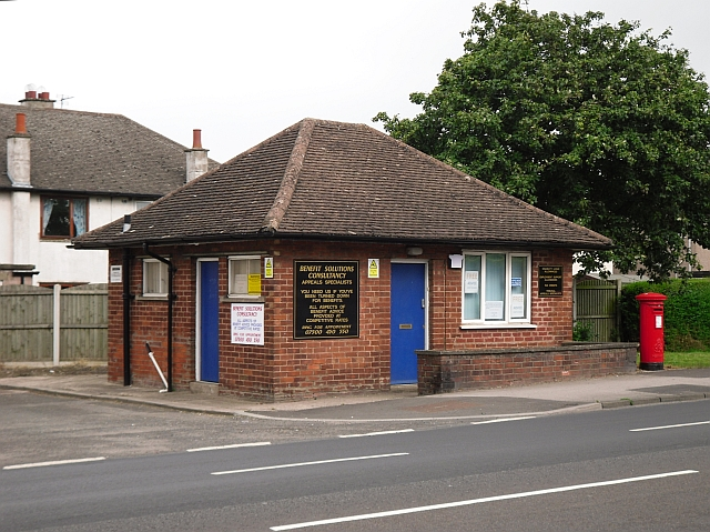 Former police post, London Road