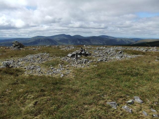 Summit cairns Meikle Millyea