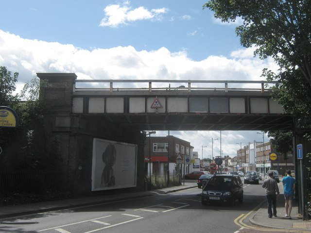 Railway bridge over A209 Upper Wickham Road