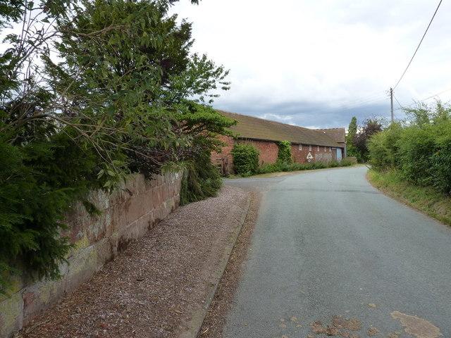 Aston Farm - a barn on the roadside
