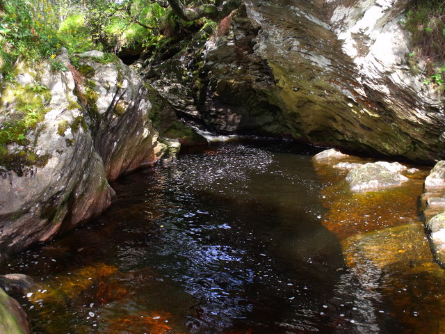 Dark 'beery' pool in the course of Strone Burn
