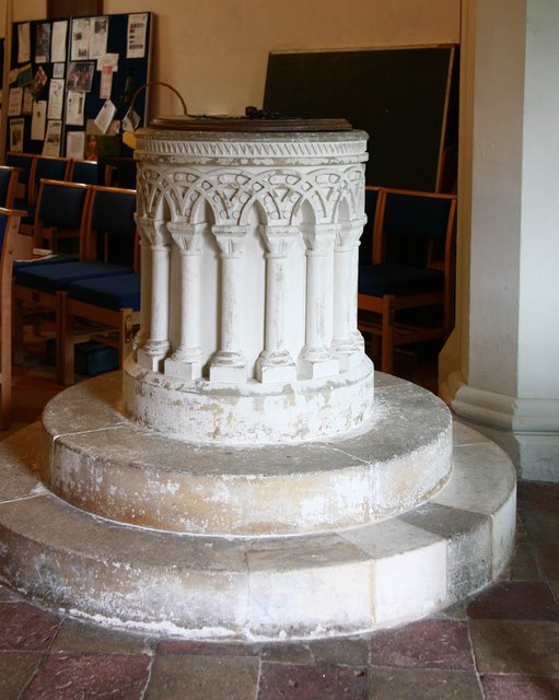 St Mary the Virgin, Little Hallingbury - Font