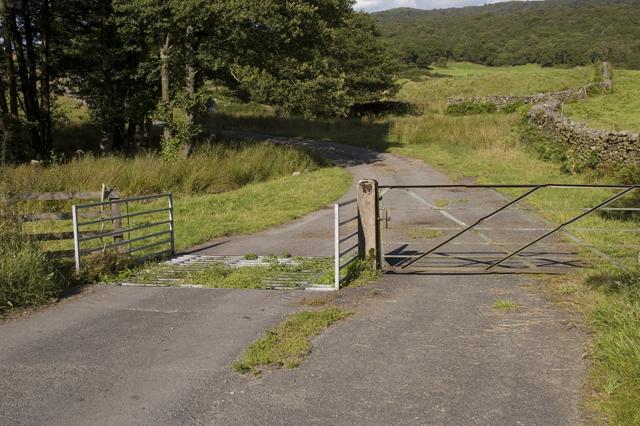 Cattle Grid on lane to Hay Bridge