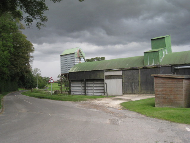 Barn and storm clouds at Cuxwold