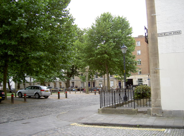 Junction of Queen Square and King William Avenue
