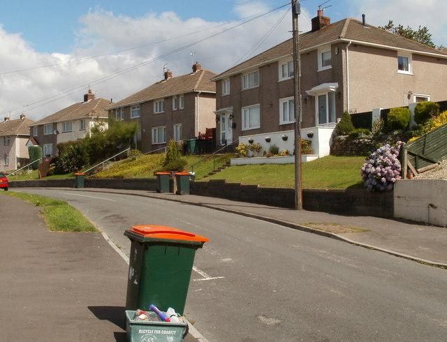 Wheely bin day, Hillside Crescent, Newport