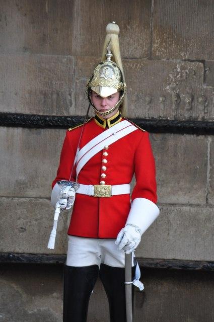 London : Westminster - Guard on Patrol