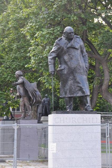 London : Westminster - Churchill Statue