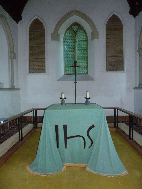 Saint Mary, Tufton: altar
