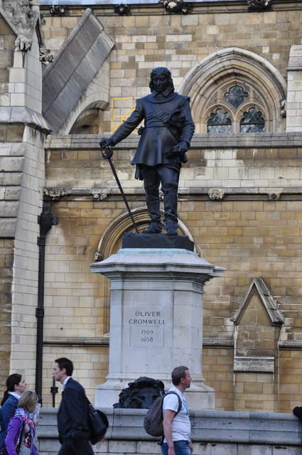 London : Westminster - Oliver Cromwell Statue