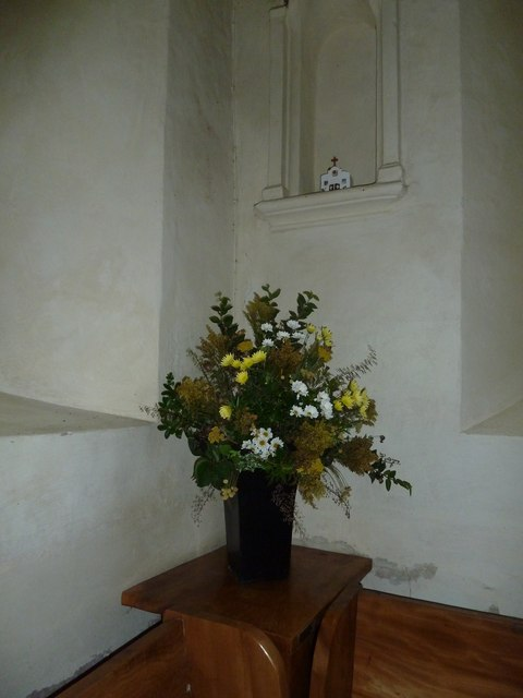 Nether Wallop- St Andrew's: floral display